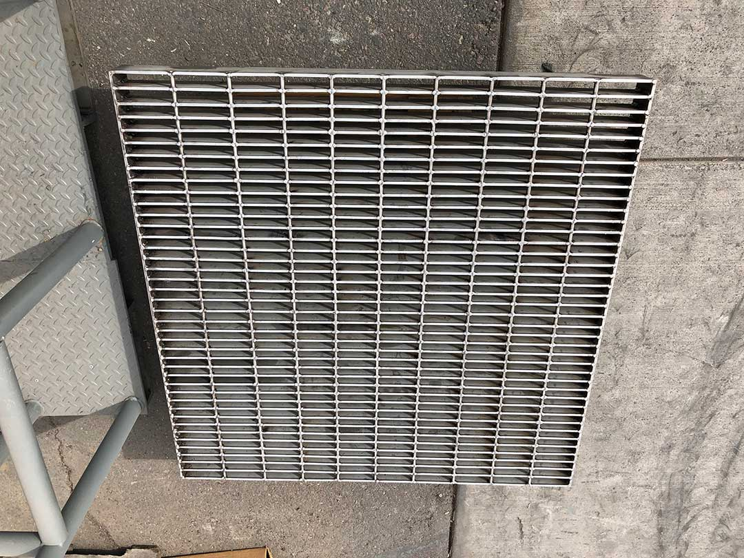 Custom-Stainless-Grate-2
